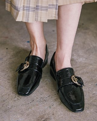 enamel buckle loafer